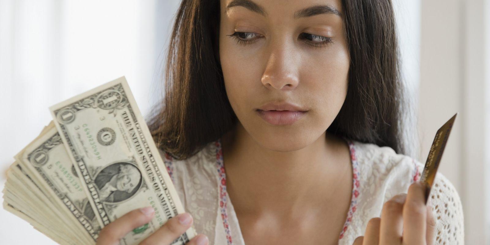 Lo lắng về chi phí điều trị khản tiếng