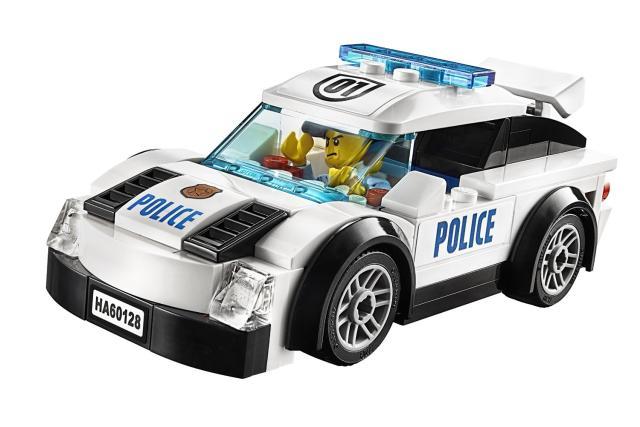 Cảnh sát truy đuổi trong bộ Lego City Police Pursuit