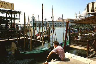 Foto: Italien, Venedig, Pause an der Lagune (Italy, Venice, break at the laguna, 1988)  © Eckhard Supp