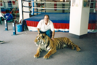 Photo: Hold that tiger! Picture taken in 2000 during a David Tua training camp.