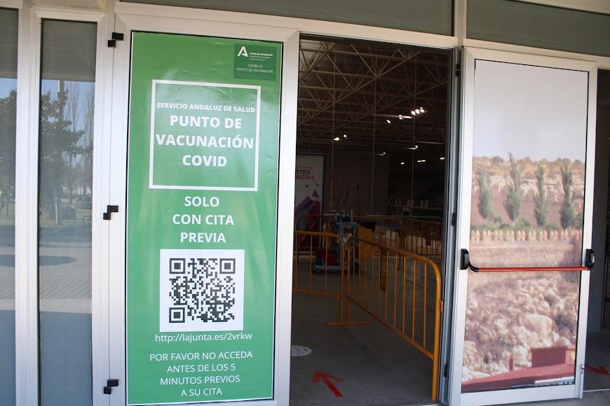 Zona de acceso peatonal para recibir la vacuna.
