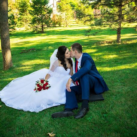 Wedding photographer Vika Oparina (VictoriaOparina). Photo of 17.05.2017