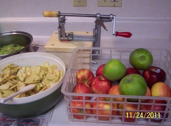 Wash apples well.Core peel and slice apples 1/4 inch thick, place in a bowl...