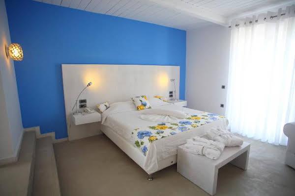 Koufonisia Hotel & Resort