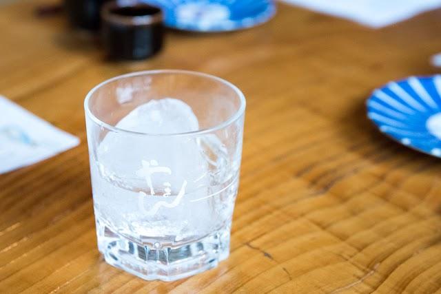 乾杯酒は南極氷で蔵和水