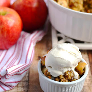 Apple Crisp {with Salted Caramel Almond Topping}