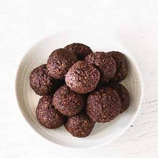 Date & Cashew Protein Balls.