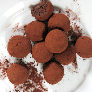 Vegan Nutella Chocolate Truffles in 4 Ingredients