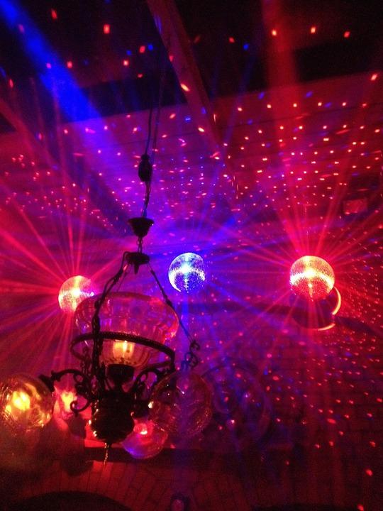 dance-floor-371380_960_720.jpg