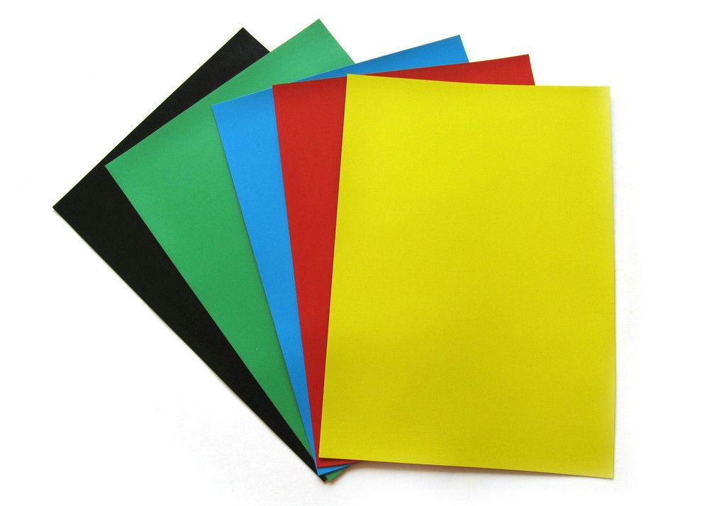 Nam châm dẻo dạng tấm khổ A4 có ưu điểm mỏng như tờ giấy A4, nên có thể in hình ảnh, chữ, số lên bề mặt giấy một cách dễ dàng bằng máy in thông thường