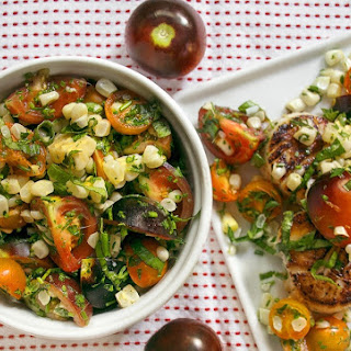 Seared Scallops with Corn and Tomato Salad