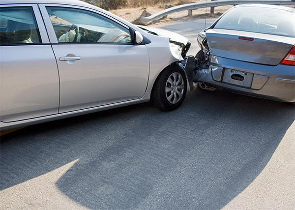 ANSYS - Соударение автомобилей не может быть смоделировано только линейными уравнениями, так как в конструкции присутствует остаточная деформация, не исчезающая после снятия нагрузки. Это один из факторов, который приводит к нелинейности в задаче
