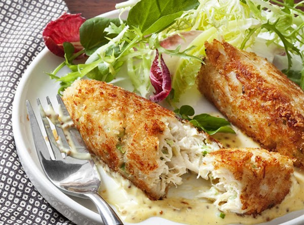 Crabmeat Cakes With Mustard Sauce Recipe