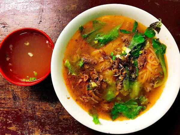 小河道地越南美食館,頗具特色份量嚇死人越南美食