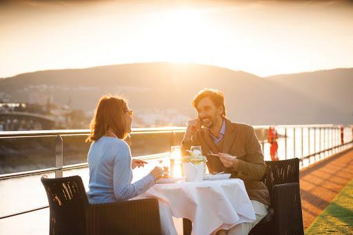 Scenic-Jasper-Sun-Deck.jpg - Enjoy a meal overlooking charming villages and landmarks on the luxury river ship Scenic Jasper.