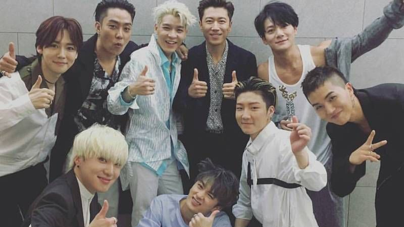 SECHSKIES and WINNER