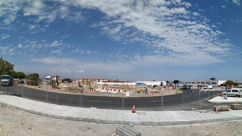 Vista de los trabajos en la zona de la rotonda que ya se ha abierto al tráfico