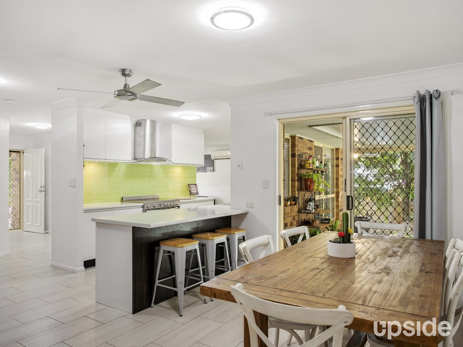 Main photo of property at 6 Nottinghill Place, Oxenford 4210