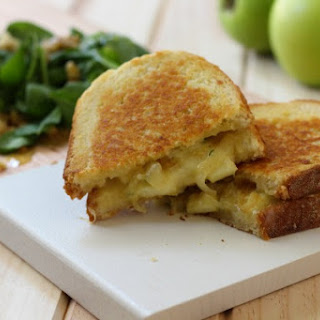 Grilled Cheese with Apples and Caramelized Onion Recipe