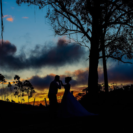 Wedding photographer Sintia Toledo Filardêncio (sintiatoledo). Photo of 02.10.2017
