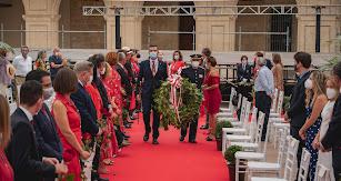 Momento de la ofrenda de una corona de laurel por parte del alcalde y el coronel Javier Ángel Soriano