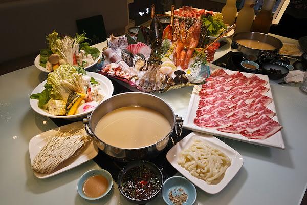 沐田涮涮工廠,中山站4號出口旁美味涮涮鍋,湯頭好,食材也棒,還有超美裝璜!!