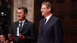 El presidente de Anecoop, Alejandro Monzón, recogió el premio.