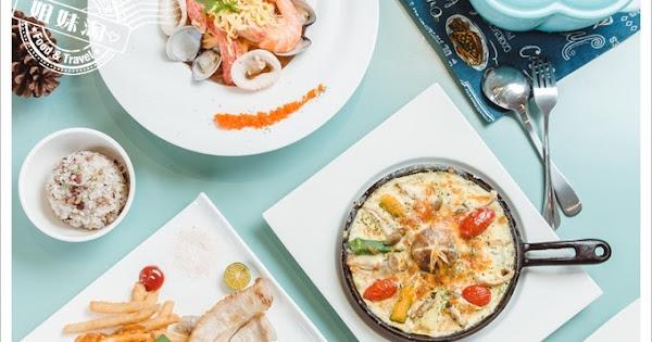 W Kitchen 東港店