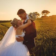 Wedding photographer Anatoliy Roschina (tosik84). Photo of 25.08.2016