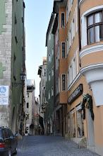 Photo: Malebné uličky v centru Regensburgu.