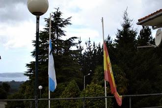 Photo: Banderas a media hasta en señal de duelo por las víctimas del accidente ferroviario de Santiago de Compostela