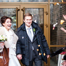 Wedding photographer Lyuba Kostina (LyubovKostina). Photo of 23.02.2013