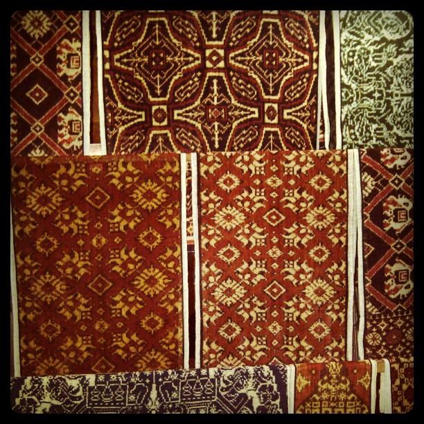 Kain Gringsing - 3 Unique & Simple Ways to Use a Piece of Batik Cloth / Endek - Kaliuda Gallery Bali