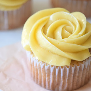 Maple Buttercream Frosting - Super Creamy!.