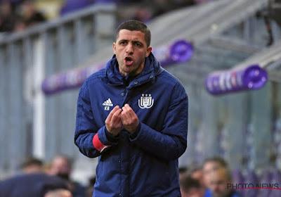 Des joueurs d'Anderlecht à Charleroi ? Karim Belhocine répond