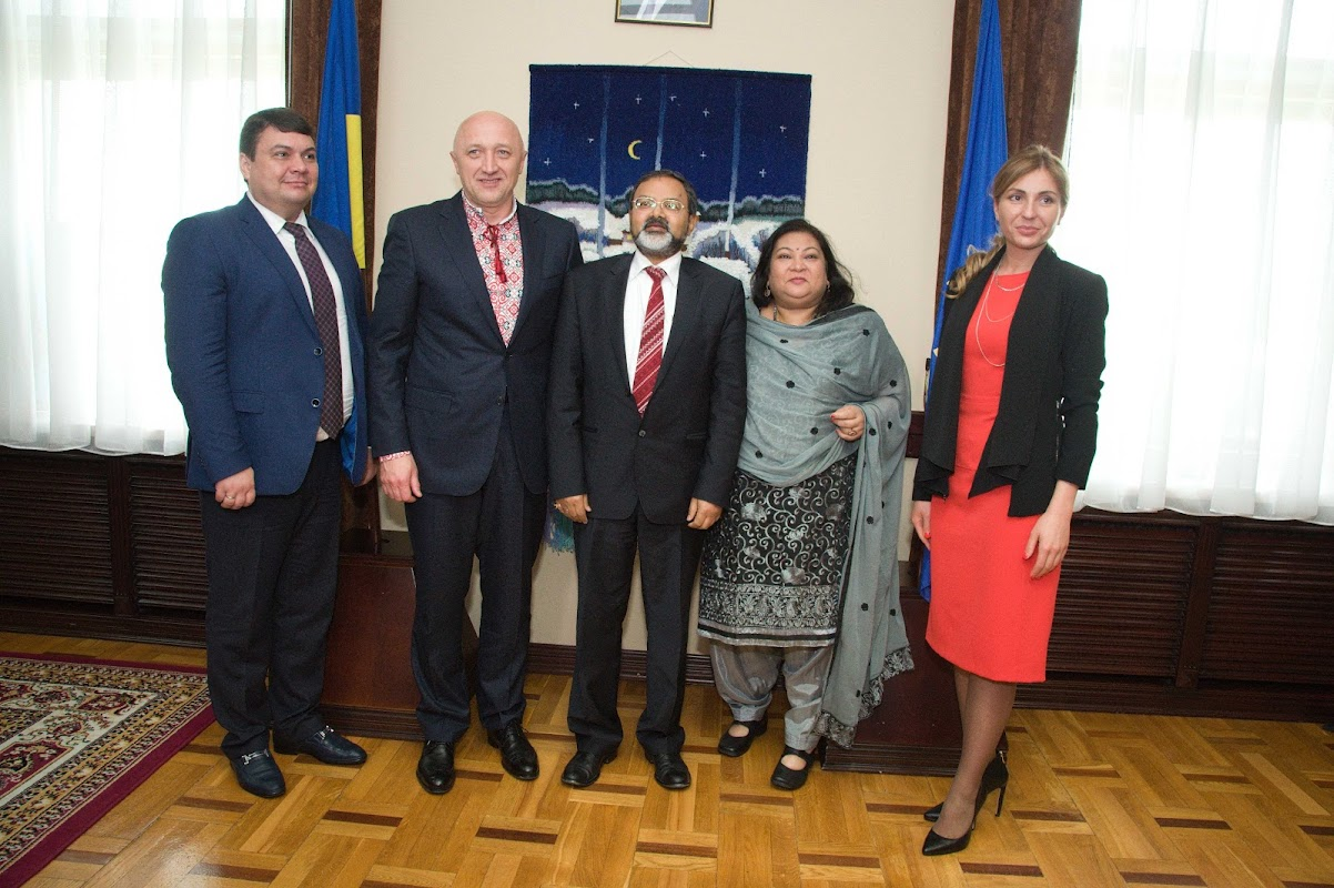 The Ambassador noted that Ukraine has made a significant contribution to the development of facilities for the modern professional education and best study abroad programs for India's citizens.