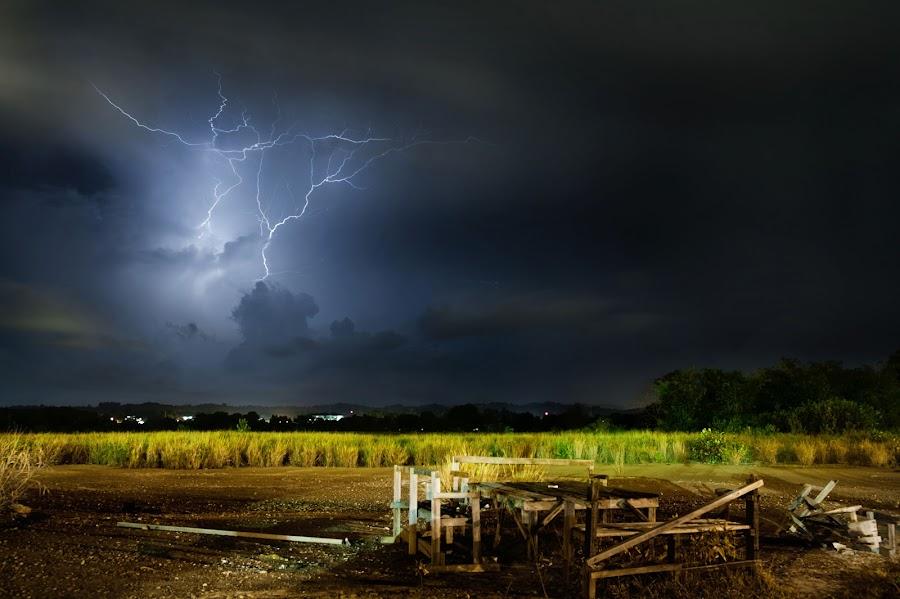 Thor ? by Mohamad Sa'at Haji Mokim - Landscapes Weather ( thunder, weather )