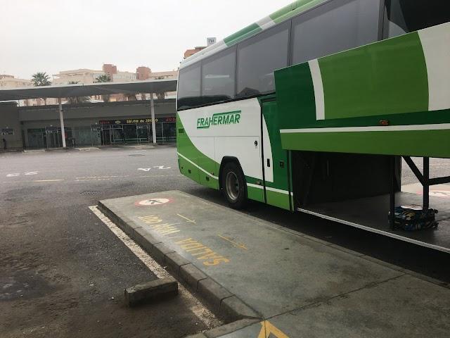El autobús a Huércal solo llevaba la maleta de una viajera que iba a Granada.