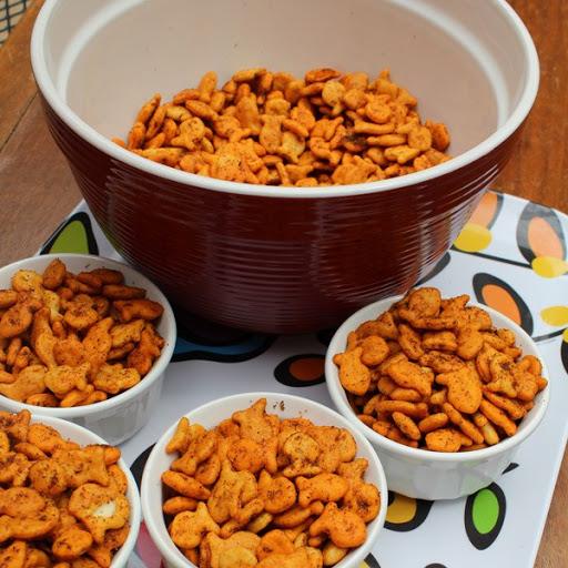 Cheesy taco Goldfish snack mix