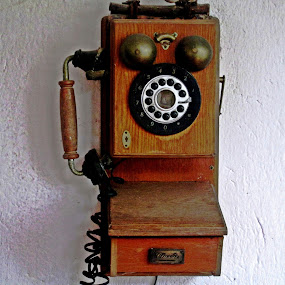 COMUNICACIÓN MODERNA by Yako Laverde - Artistic Objects Other Objects ( colour, antiguedades, communication, telephone,  )