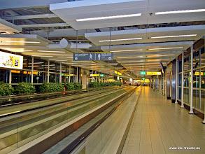 Photo: 2009-09-21. Schiphol.  www.loki-travels.eu