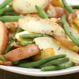 Garlic Herb Roasted Potatoes & Green Beans