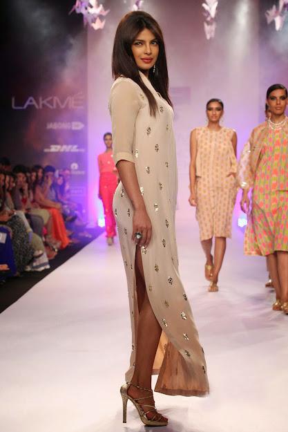 Priyanka Chopra Ramp Walk, Priyanka Chopra in High Heels, Priyanka Chopra Feet, Priyanka Chopra legs