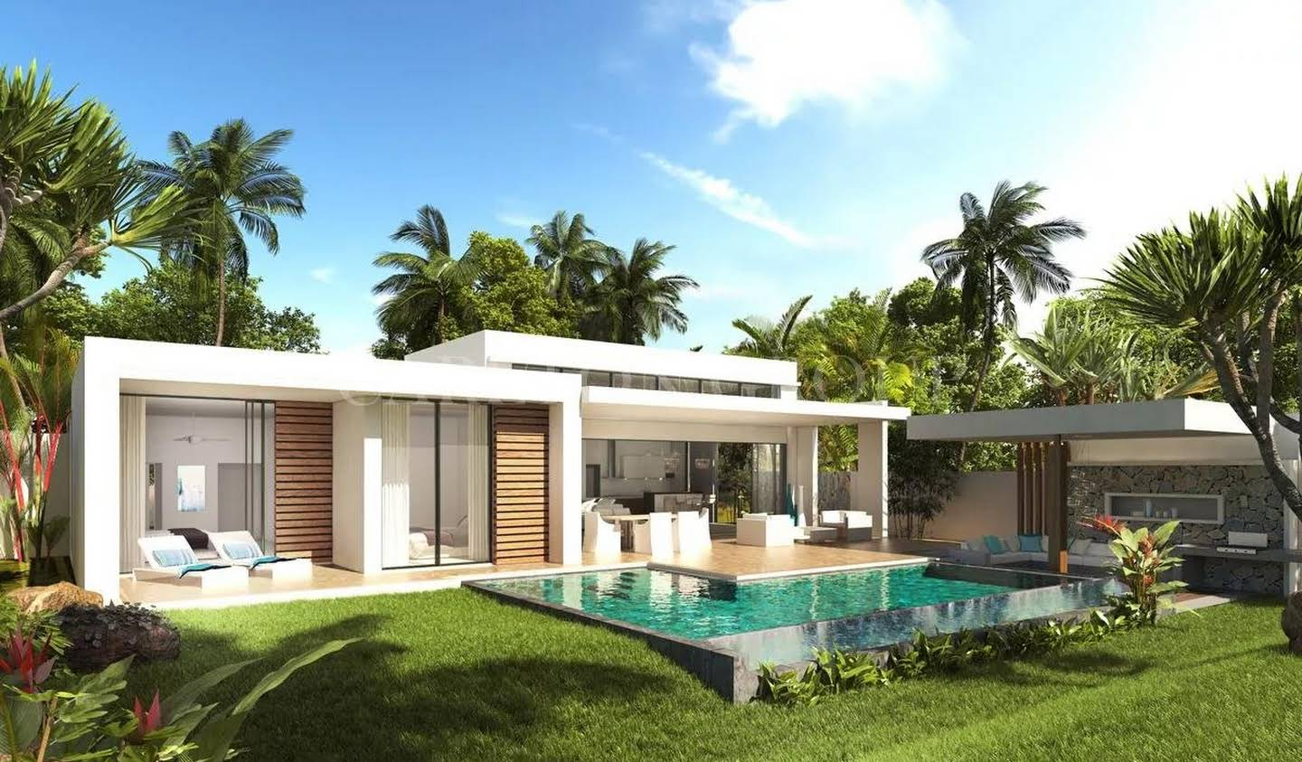 Villa with pool and garden Roches Noires