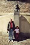Photo: Carolina y yo en el monumento a Tycho Brahe (Rundturm ) (Copenhague) (mayo de 2005)