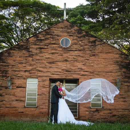 Wedding photographer Fabiano Oliveira (fabianooliveira). Photo of 16.12.2015