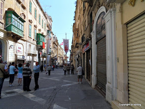 Photo: Valletta. Republic Street.  http://www.loki-travels.eu/