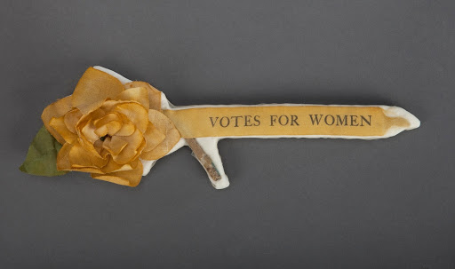 Woman Suffrage Badge/National Museum of American History