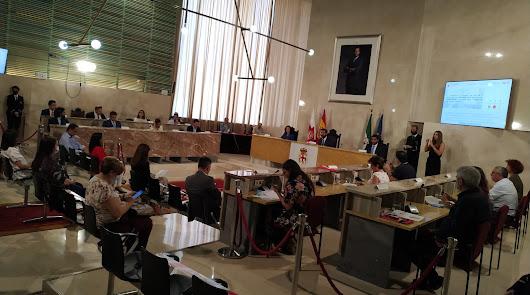 Los concejales se reencuentran en el primer pleno presencial tras la COVID