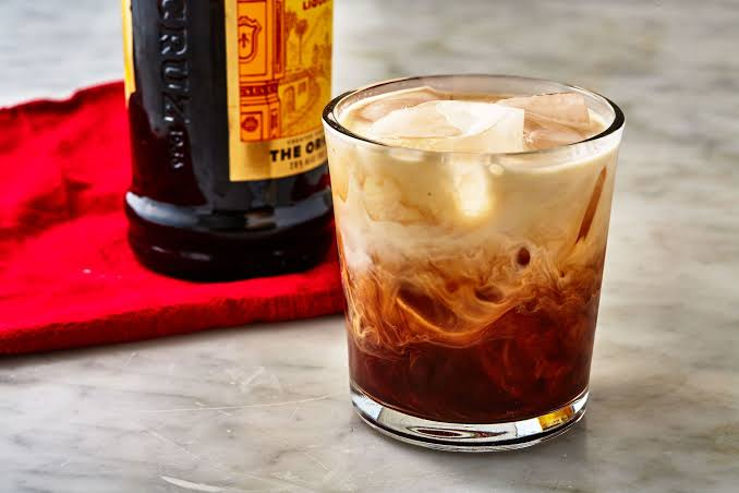 drinks-that-dont-taste-of-alcohol_white_russian